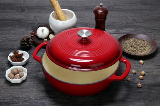Cast iron enamel casserole dish, which has been very popular in recent years, has a wide variety of colors. What are the advantages and disadvantages of cast iron enamel casserole dish